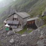 Das ist die Hütte und mittlerweilen hat es zu regnen begonnen.
