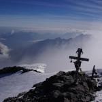 Und Sicht Richtung Glarus, hier geht's steil runter. Glarus liegt im Nebel.