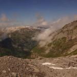 Dem Gletscher entstiegen ist unser nächstes Ziel die Glärnischhütte wo wir nach 900m Aufstieg und 900m Abstieg ein paar Minuten ruhen wollten. Wir hatten danach nochmals 1180m Abstieg vor uns..