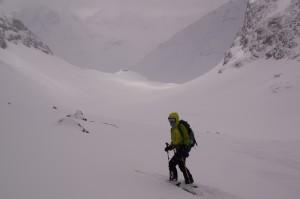 umgekehrt - vor dem Gletscherabbruch zum Piz d'Err - zuviel Neuschnee!