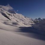 die ersten Sonnenstrahlen erreichen das Val Bever