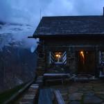 Chelenalphütte SAC 2350m in der Kehle des Chelenalptals