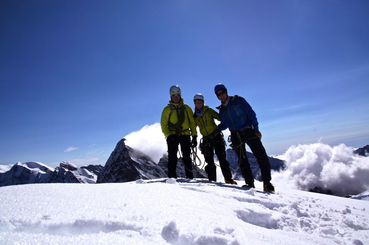..geschafft! auf dem Gipfel des Tschingelhorns 3562m - bei wunderbar mildem Wetter!