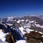 Gipfelblick vom Breithorn hinüber zur Blüemlisalp
