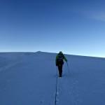 unterwegs im Schnee von gestern - aber an einem neuen Tag ohne Nebel und Wolken - wunderbar!