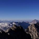 Sicht ins Wallis und auf den Kanderfirn, rechts das Balmhorn