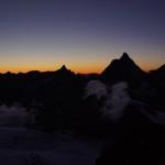 Matterhorn (rechts) und Dent d'Hérens