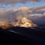 am Tisch in der Monte-Rosa-Hütte drehen sich die Gespräche & Geschichten immer wieder über diesen Berg - das Matterhorn mit seinen 4478m