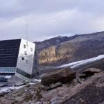 Monte-Rosa-Hütte 2883m vor dem Gornergletscher