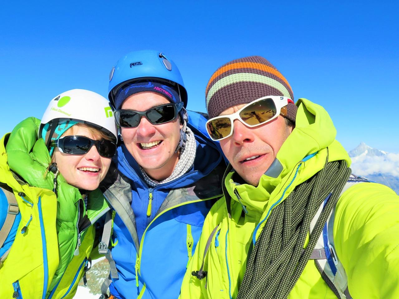 klassisches Gipfel-Selfie auf dem Castor 4228m - unverblühmte Lebensfreude!