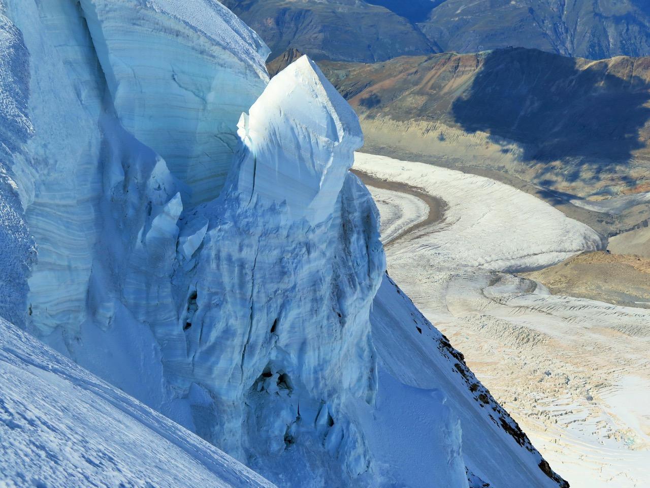 eindrücklicher Eispilz- wie lange sich der wohl noch halten kann!?