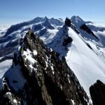 Rückblick auf dem luftigen Grat des Breithorns - bald auf dem Mittelgipfel