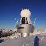 Weltraumstation auf dem Mond - in Realität Radarstation der Meteo Schweiz für zuverlässige Wetterprognosen in der Region