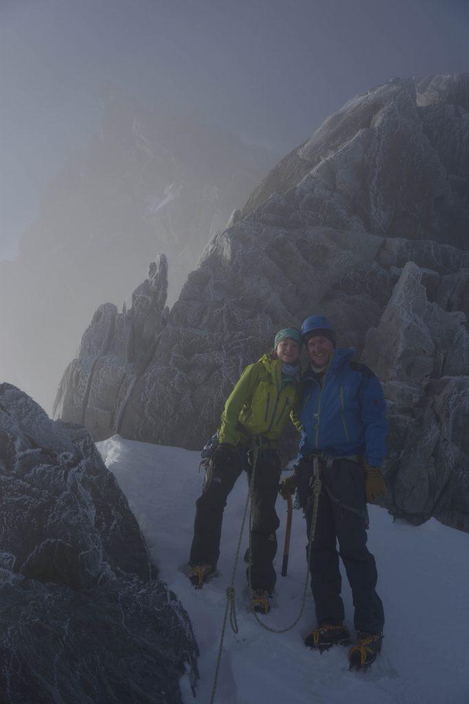 7.20h am Hugisattel - wir gehorchen den schlecht gelaunten Berggöttern des Finsteraarhorns und kehren um...