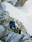 Die Felsen muss man wegen rutischiger Schneeauflage und Brüchigkeit sanft anfassen... (Photo by Christoph)