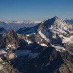 Zinalrothhorn, Weisshorn und im HIntergrund Berner Alpen