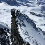 Blick zum Vorgipfel vom Hauptgipfel Rimpfischhorn 4199m ü.M.