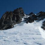Auf dem Rimpfischhorn Wintergipfel - Sicht zum weiteren vereisten Aufstieg via Couloir